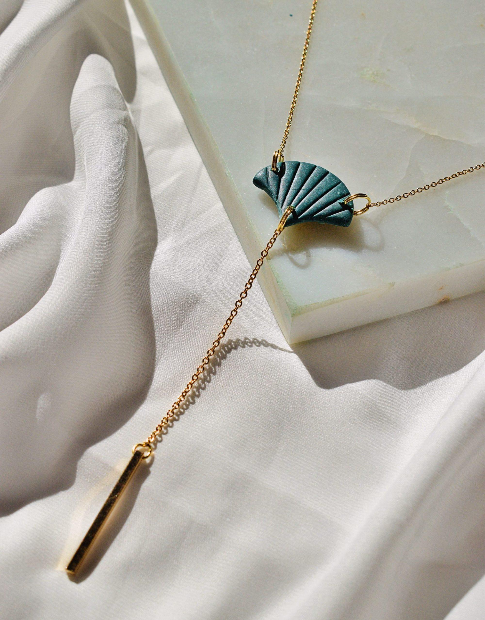dark teal mermaid necklace